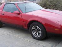 Pontiac firebird trans am 1984 only the 2nd owner, in