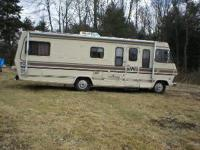 30 foot Winnebago Chieftain - This old girl has it all