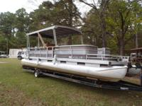 1985 30 ft Harris FloteBote w/140 inboard. Pick your