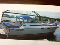 31 foot Bayliner in VERY GOOD condition with twin 260
