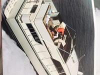 1985 Chris Craft, 381 Catalina Double Cabin Used in