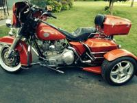 1985 Harley Davidson FLHT Electra Glide Classic . Will