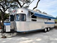 1985 AIRSTREAM SOVEREIGN CT: SILVER   We are