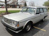 This 1985 Volvo 240 GL Wagon features a 2.3L L4 FI SOHC