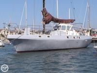 This 1985 Yorktown 41 Sloop is built to last and handle