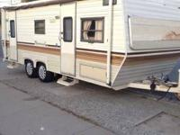 1985 fully self contained 24ft rear bed full size table