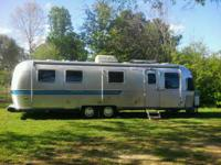 1986 Airstream Sovereign Travel Trailer. All appliances