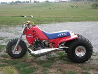 This is a 1986 ATC 250R. It has an FTZ drag pipe,