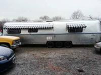 1986 Avion Silver Edition Travel Trailer This tri axle