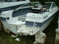1986 Bayliner 17ft Bowrider Boat hull only needs