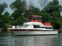 "1986 Chris Craft Corinthian 380 ""Must See To"