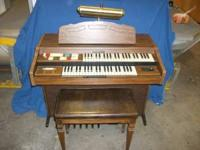 1986 Hammond Organ M-Series model 140122. Organ is a