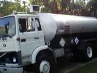 1986 VOLVO Asphalt Truck, 100,000 miles, AC, 3300 gal