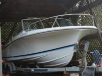 This 1986 Wellcraft V-20 Step-Lift, 20-ft boat, with