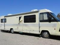 1986 Winnebago Chieftan Class A. Length 36.5FT- New