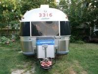 1987 32foot Airstream with hardwood and laminate wood