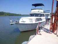 Up for sale is a 1987 32' Marinette Cruiser. The total