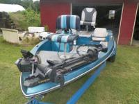 15 FT. BUMBLE BEE BASS BOAT, EQUIPED WITH A 80 HP