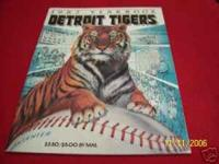 1987 YEARBOOK DETROIT TIGERS GOOD CONDITION SMOKE FREE