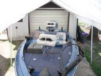 1987 Ebbtide bass boat 16 foot looks new no fad on