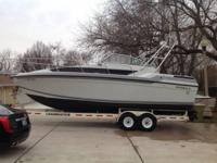 1987 Formula Thunderbird 28PC. Dimensions- LOA 28 ft 0