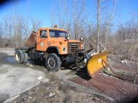 1987 International S1800 4WD Plow truck - 4WD works -