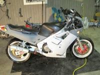 87 FZR 1000 bike sale 1,100 obo or trade for something