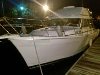 1987 Bayliner 3270 Motor Yacht with twin 1987 Chevy 305