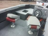 1988 17' Tacker Boat for sale. Has a 70 HP Mercury in