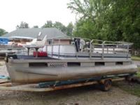 1988 20ft Sylvan with 50hp Chrysler. Motor is not