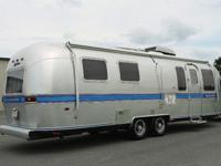 This is a stunning 1988 29ft AIRSTREAM Excella Travel