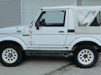 1988 suzuki samurai , 1.3L 4x4 nice little barn find ,