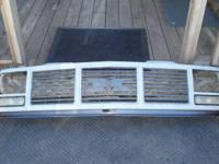 1988-89 CHEVY TRUCK GRILL FOR SINGLE GLASS HEADLIGHTS.