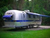 1988 Airstream Excella , Rare, front and rear door 34
