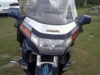 1988 honda goldwing excellent cond. low miles. ring of