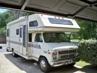 1988 CHEVY ULTRA MOTOR HOME very clean and fully loaded