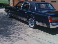 1988 Linclon Town Car 4 door sedan, dark blue metallic