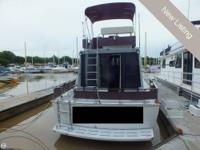 - Stock #80592 - The 32 'Marineete is a fun cruising