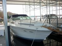 This 1988 Sea Ray 390 has actually been well kept by