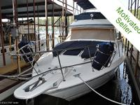 Timeless Aft Cabin Sea Ray. Plenty of space for the