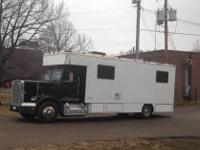 1988 Freightliner Toter/Moterhome For Sale In