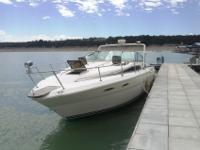 30 foot cruiser with cabin sleeps 4 in cabin has twin