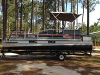 1989 Sun Tracker Bass Buggy pontoon boat with 2 angling