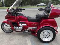 1989 Blue Gold Wing Honda -- Lots of extras added!