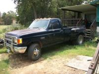 Selling no title, 1989 Dually bed with liner and cab/