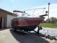 26' 1989 four winns cabin cruiser, this is one very