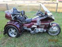 1989 HONDA GOLDWING WITH A MOTORTRIKE TRIKE CONVERSION