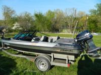 1989 Javelin 366 fish and ski boat. It is 18 foot long