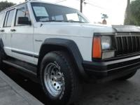 1989 JEEP CHEROKEE 4X4! STICK SHIFT! RUNS AND LOOKS