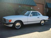 This sporty and luxurious Mercedes 560SL combines old